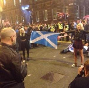 unionist-thusg-girl-stood-up